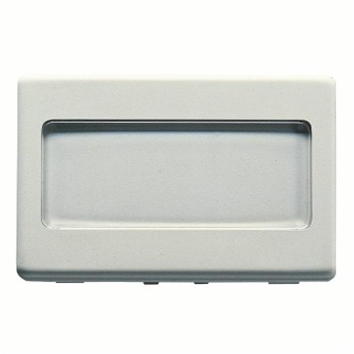 Pulsante con targa portanome illuminabile 250V NA 10A 3 moduli System bianco