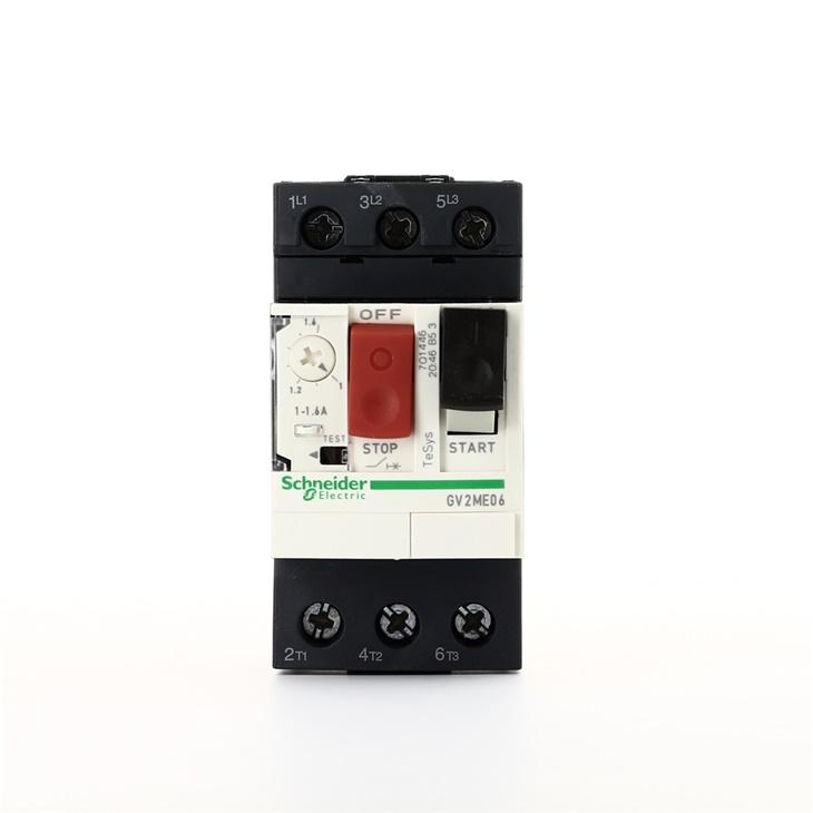 Interruttore protezione motori 3P Schneider Electric GV2ME06 serie GV2M, 1 → 1,6 A, 690 V