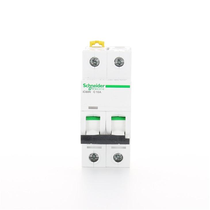 Interruttore modulare magnetotermico iC60N 2P C 10A 6000A