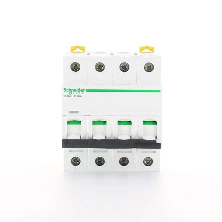 Interruttore modulare magnetotermico iC60N 4P C 16A 6000A