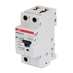 Scaricatore autoprotetto con interruttore per sistemi TT monofase Tipo 2 1P+N Imax 20kA Uc 275V