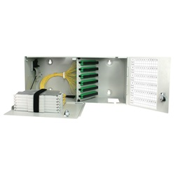 Box di terminazione (PRI) con connettori 48 SC/APC + 48 pigtails + cassette